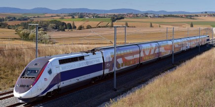 LGV-pour-la-premiere-fois-un-TGV-a-relie-Paris-a-Rennes-en-1h26